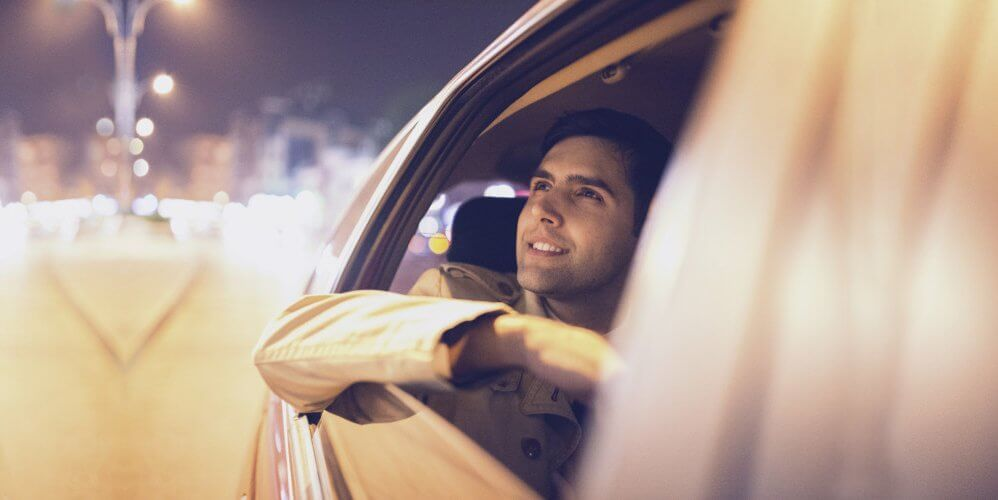Get Comfortable Ride with the Best Gatwick to Luton Airport taxi Service